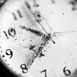 بررسی خسارت ناشی از آب در ساعت (برنارد واچ)
