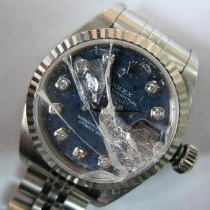 بررسی آسیب فیزیکی ساعت در برنارد واچ
